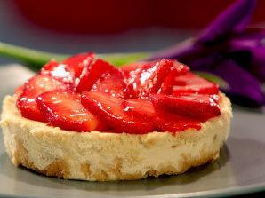Чийзкейк с бутертесто и ягоди