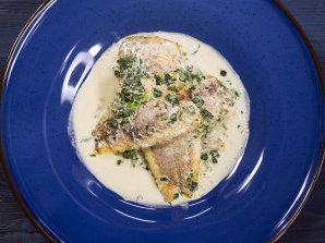 Риба със спаначен сос